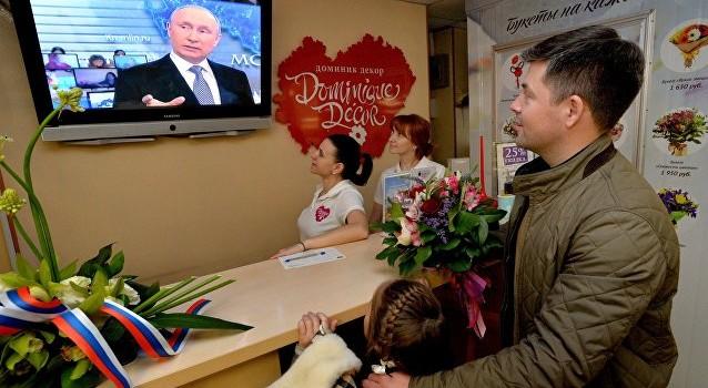 Ông Putin: Công việc của Tổng thống cũng phức tạp và nặng nề như thợ mỏ hoặc người bán hàng
