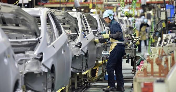 Các công ty lớn của Nhật Bản tạm ngừng hoạt động do động đất