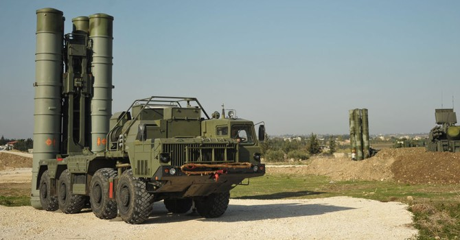 """Nhiều nước thèm muốn hệ thống phòng không S-400 """"Triumph"""" của Nga"""