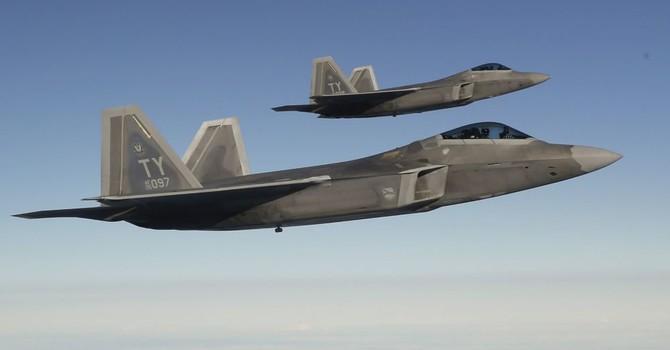 Máy bay tàng hình F-22 của Mỹ xuất hiện gần Crimea