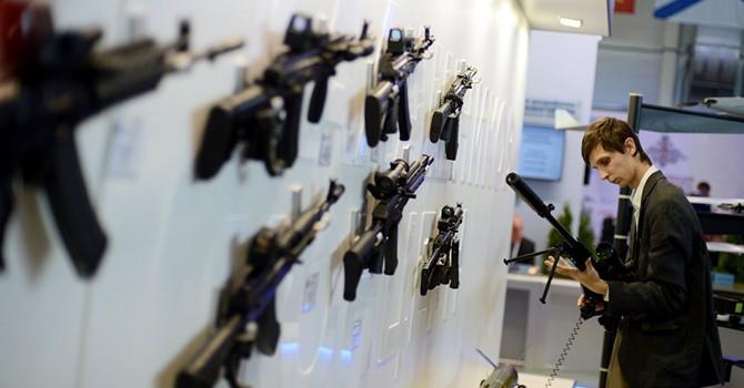 Kalashnikov mang gì đến triển lãm vũ khí ở Paris?