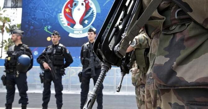 EURO 2016 : 100.000 lính và cảnh sát bảo vệ an ninh một tháng tranh tài