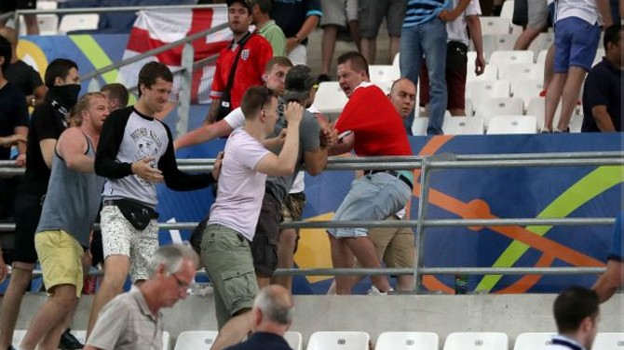 UEFA 'dọa' loại Nga và Anh khỏi Euro