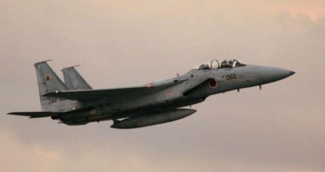 F-15 của Nhật áp sát phi đội SU-30 của Trung Quốc