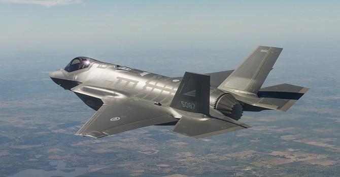 """F-35 dễ thành """"mồi ngon"""" cho hệ thống phòng không của Nga và Trung Quốc"""