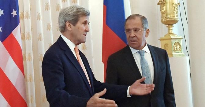 Phóng viên Mỹ bắt Pokemon trong cuộc họp của các Ngoại trưởng Lavrov và Kerry