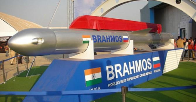 Ấn Độ đặt tên lửa Brahmos ở vùng biên giới, Bắc Kinh lo ngại