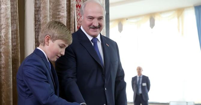 Quý tử của Tổng thống Lukashenko biến đi đâu?