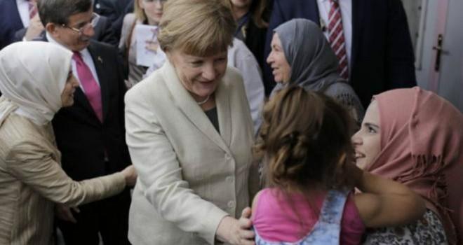 Bà Merkel nhận trách nhiệm vì 'thất bại cay đắng' của Đảng Dân chủ Thiên chúa giáo