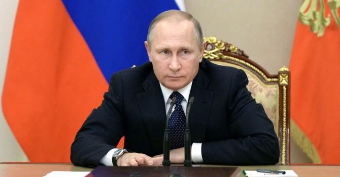 """Tổng thống Putin: """"Kinh tế Nga dần bớt suy thoái nhưng xu hướng tích cực chưa ổn định"""""""