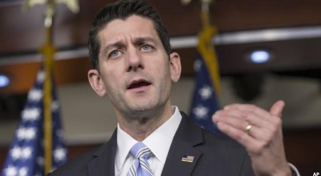 Chủ tịch Hạ viện Mỹ 'quay lưng' với ông Trump