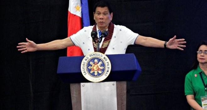 Tổng thống Duterte: Philippines không cắt liên minh quân sự với Mỹ