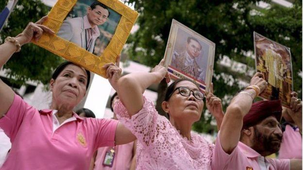 Sức khỏe vua Thái Bhumibol Adulyadej 'chưa ổn'