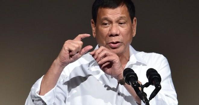 """Ông Duterte: """"Đi Trung Quốc chỉ vì kinh tế"""""""