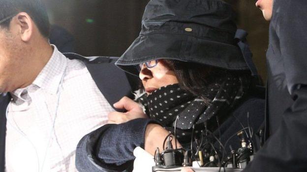 Người phụ nữ thân với Tổng thống Park bị tạm giam khẩn cấp