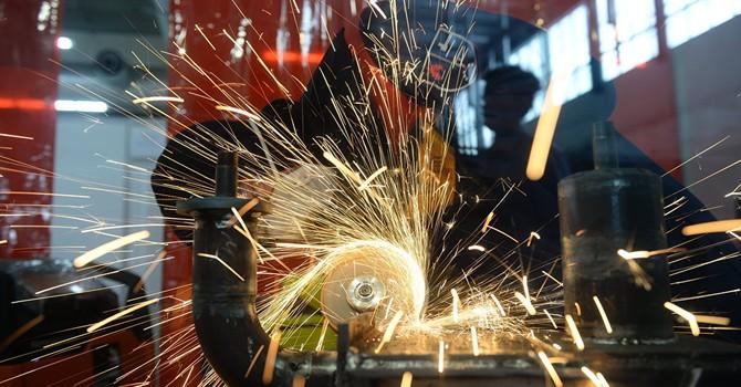 Financial Times: Ngành công nghiệp Nga bắt đầu phục hồi