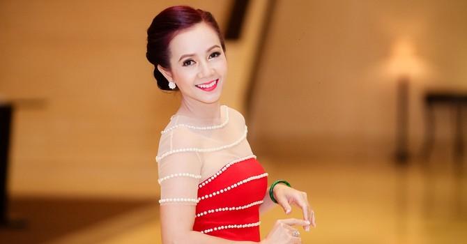 [BizSTORY] Tự sự 10 năm xây dựng cơ nghiệp của bóng hồng Tổng giám đốc Asia Dragon
