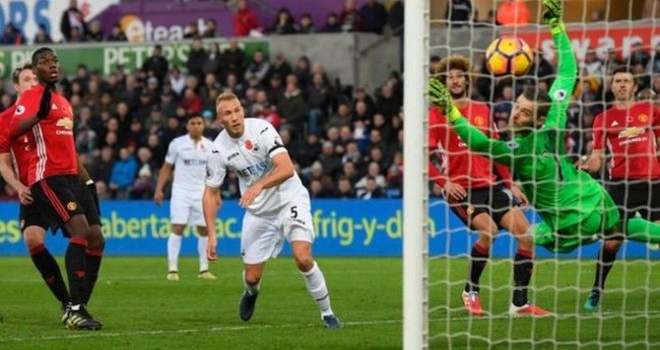 Premier League ký thỏa thuận lớn với TV Trung Quốc
