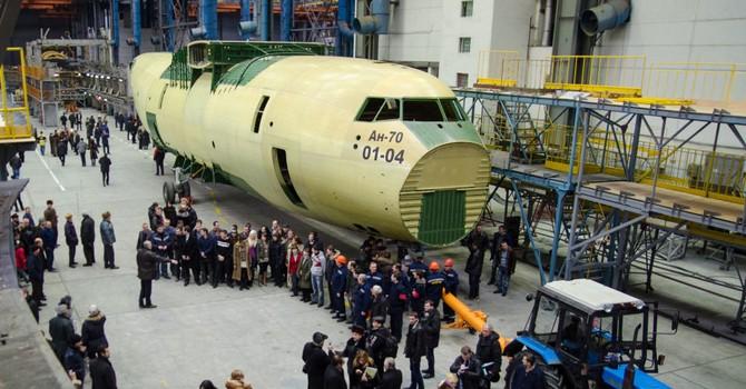 """Nga đòi công ty nhà nước Ukraine """"Antonov"""" phải trả cho Bộ Quốc phòng Nga 2,7 triệu USD"""