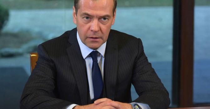 Thủ tướng Medvedev: Trừng phạt và giá dầu không còn là mối lo ngại đối với Nga