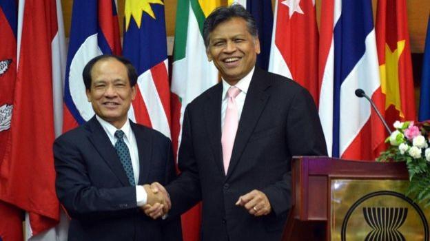 Quốc tế thương tiếc ông Surin Pitsuwan