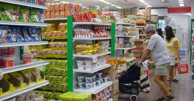Bán lẻ Việt Nam: Người Việt ngày càng chi nhiều hơn cho mỹ phẩm và điện máy