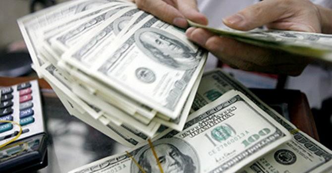"""Sáng 17/7: Tỷ giá USD trong nước """"đứng im"""" có bất thường?"""