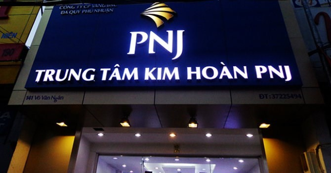 Lợi nhuận sau soát xét của PNJ giảm mạnh vì DongABank