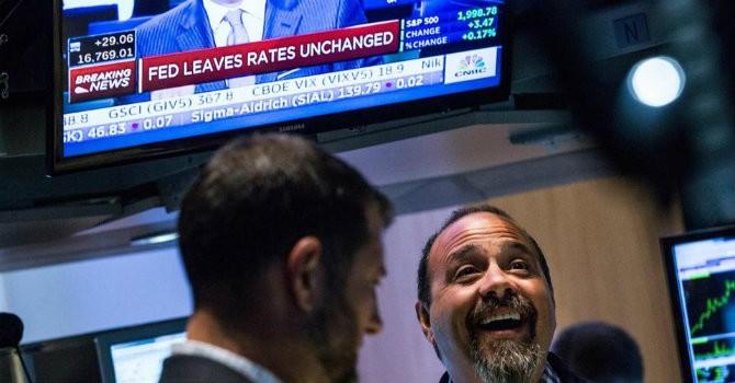 """Tài chính tuần qua: Một tuần """"nghẹt thở"""" với Fed"""