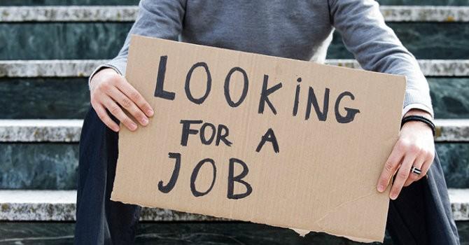 """Bằng cấp """"đầy mình"""" vẫn thất nghiệp, vì sao?"""