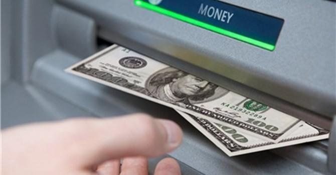 Tài chính 24h: Du khách Nga dùng thẻ ATM giả đi rút tiền từ BIDV