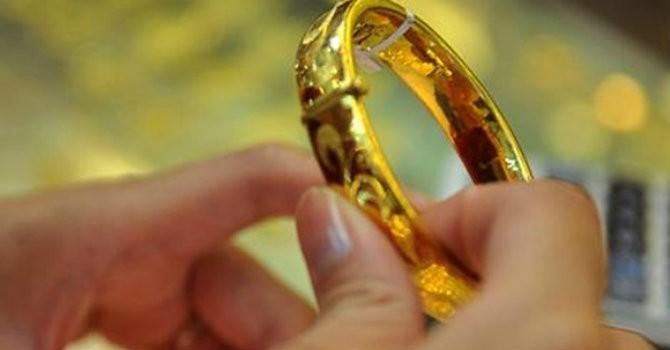 Tài chính 24h: 2016, mua vàng cất két chờ giá lên?