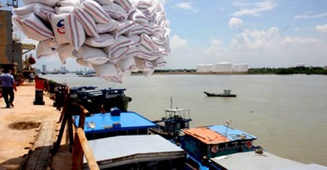 Nghỉ Tết kéo dài, kim ngạch xuất nhập khẩu của Việt Nam giảm mạnh