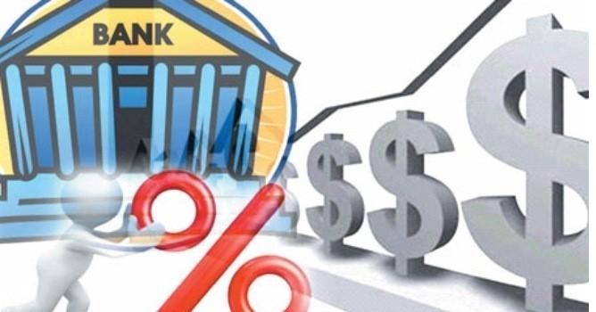 """Tài chính tuần qua: Ngân hàng vẫn """"đi đêm"""" lãi suất gửi tiền"""