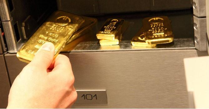 """Tài chính 24h: Nhà giàu lo sợ trước sự """"nguy hiểm"""" của vàng"""