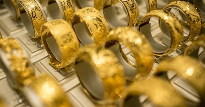 Giá vàng trong nước bật tăng mạnh, chinh phục mốc 34 triệu đồng/lượng