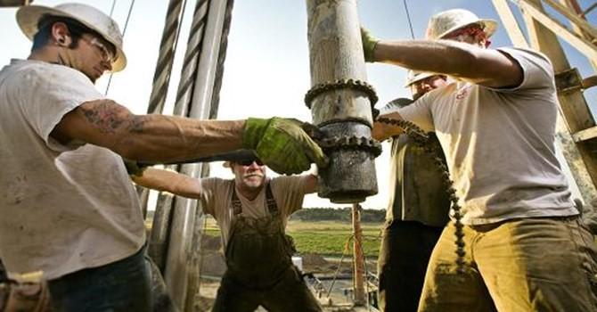 """Giá dầu """"bốc hơi"""" mạnh vì hiệu ứng Brexit"""