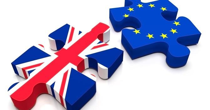 """Tài chính tuần qua: """"Hoảng loạn"""" vì Brexit"""