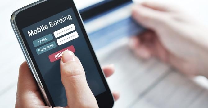 Tài chính 24h: Tài khoản bỗng dưng mất nửa tỷ, Vietcombank nói lỗi do khách hàng