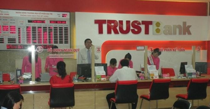 """Tài chính 24h: Bà Hứa Thị Phấn """"thổi"""" giá đất, """"rút ruột"""" TrustBank ra sao?"""