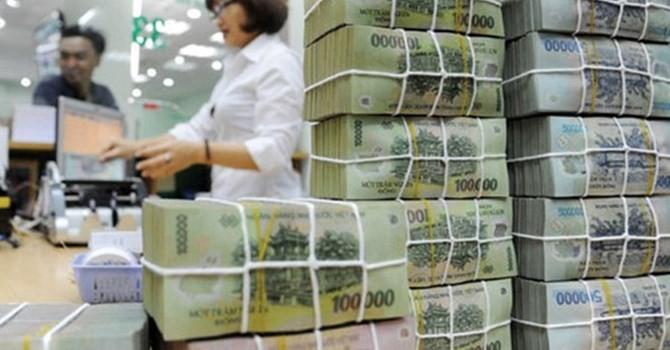 """Tài chính 24h: Ngân hàng đang rót tiền """"thừa"""" vào đâu?"""