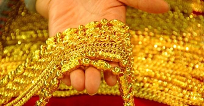 Tài chính 24h: Giá vàng trong nước bất ngờ tăng mạnh
