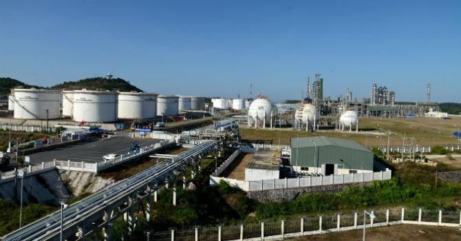 """Doanh nghiệp 24h: Lọc dầu Dung Quất tính vay khoản tiền """"khủng"""" trước thềm IPO"""