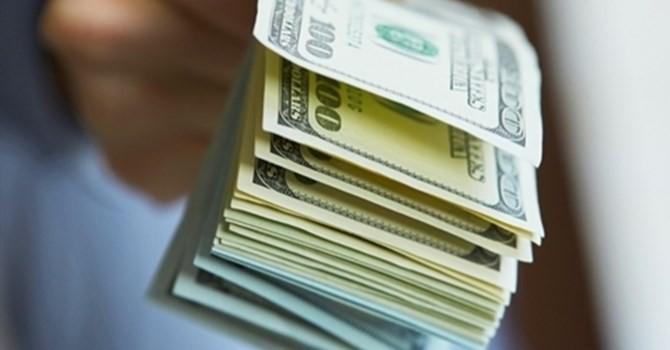 """Tài chính tuần qua: Giá USD tại các ngân hàng """"lao dốc"""", lịch sử đang lặp lại?"""