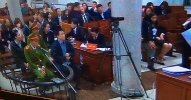 Phiên toà chiều 8/3: Viện kiểm sát đề nghị điều tra lại, hoãn xét xử đại án Hà Văn Thắm