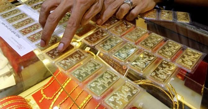 Giá vàng SJC chỉ còn đắt hơn vàng thế giới chưa tới 1 triệu đồng/lượng