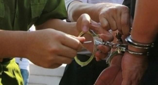 Tài chính 24h: Đã bắt được thanh niên dùng dao cướp tiền ngân hàng