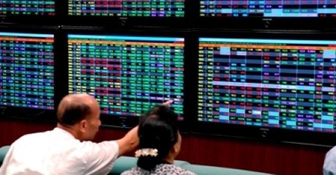 Tài chính 24h: Ngân hàng đồng loạt lên sàn, xuất hiện thêm nhiều đại gia nghìn tỷ