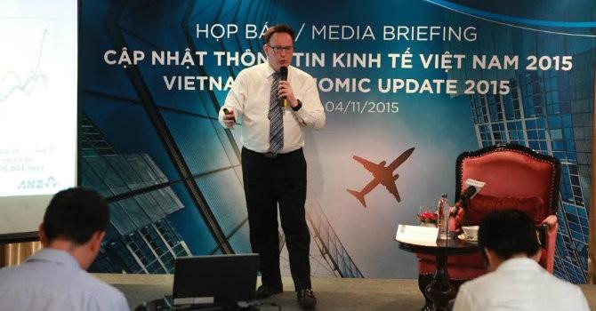 """""""Việt Nam sẽ phá giá tiền đồng, lãi suất tiếp tục giảm"""""""