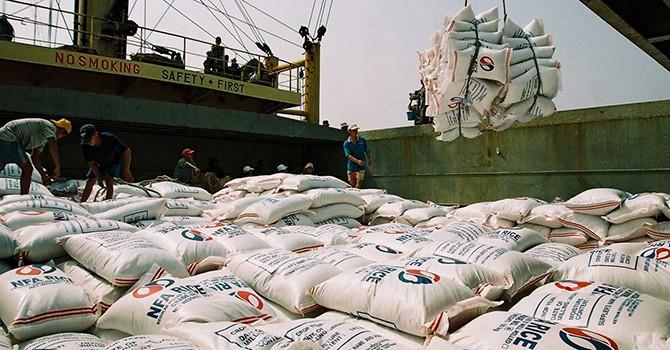 Vietnam Runs Trade Gap of $3.97 Billion Year to October 15: Customs